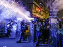 Una de las imágenes de las protestas en Hong Kong, cuyo retrato le valió a la agencia Reuters el Pulitzer en fotografías de noticias de último minuto. Foto: REUTERS/Thomas Peter